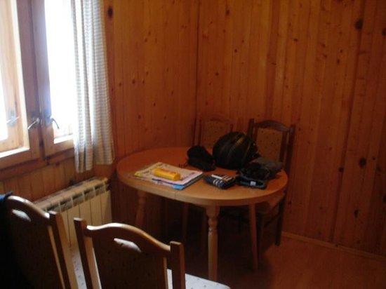 Iglika Palace Hotel: table & Chairs