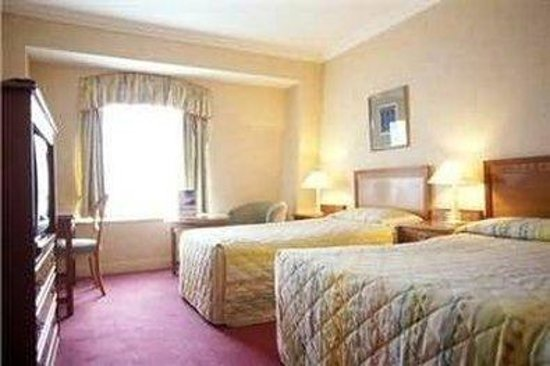 Grafton Capital Hotel: Guest Room