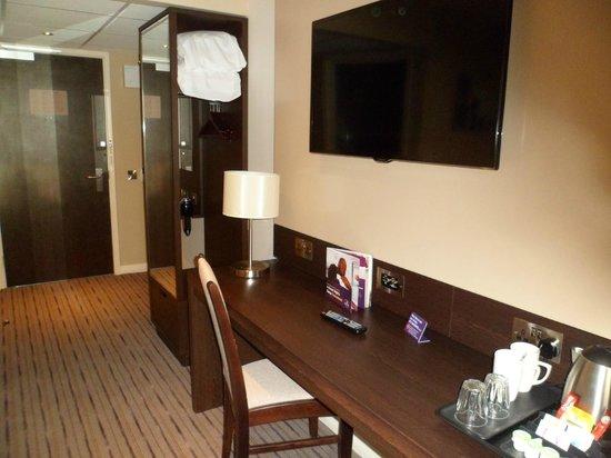 Premier Inn Dunfermline Hotel: New Room - Modern