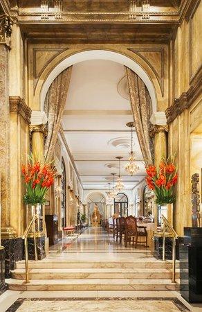 Alvear Palace Hotel: L'Orangerie entrance area