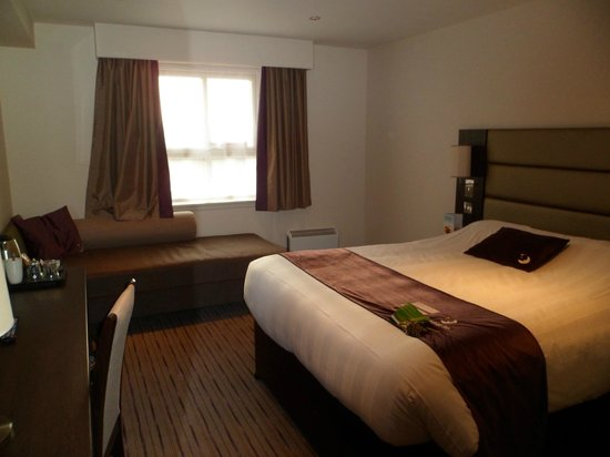 Premier Inn Dunfermline Hotel: Newly Fitted Rooms