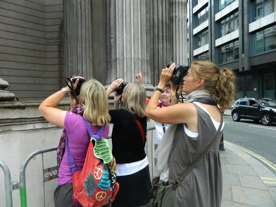 Hairy Goat Photography Tours: Ladies practicing our new photography skills!