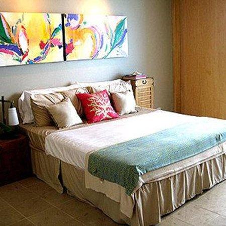 Hilo Naniloa Hotel: Guest Room