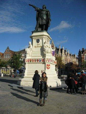 iTours - Ghent Guides: statue Jacob van Artevelde