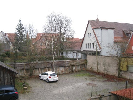 Hotel Spitzweg : View from the room - parking lot is below