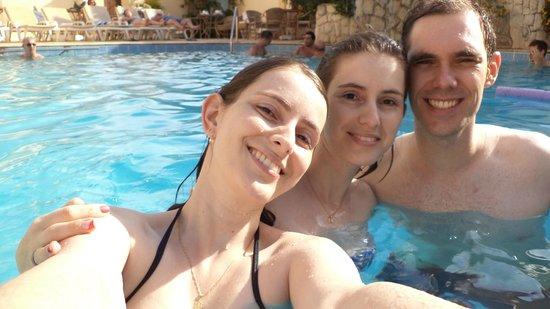 Hotel Portal das Aguas: Minha irmã, eu e meu namorado.