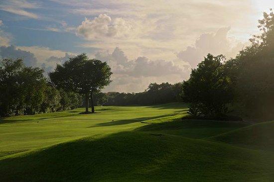 Riviera Maya Suites: Golfplatz in der Nähe