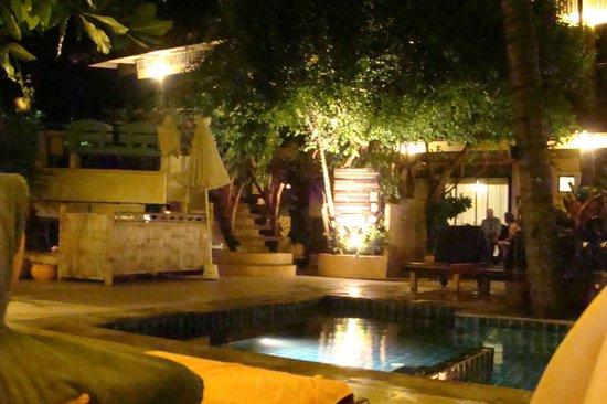 Phra Nang Inn: Piscina