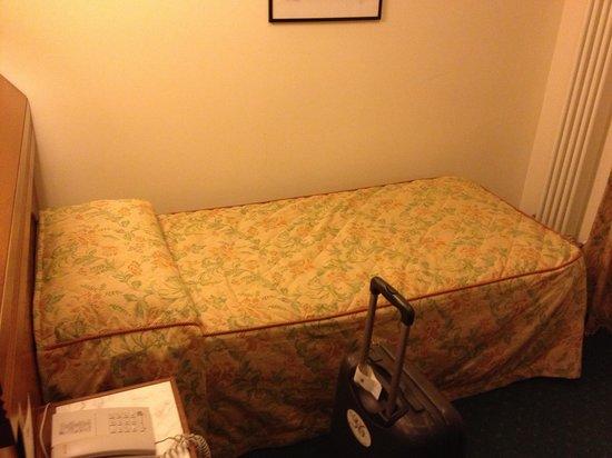 Hotel Grifone Firenze: Il letto della singola