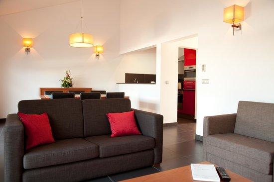 Jeiroes : Sala de estar, sala comum e kitchnette