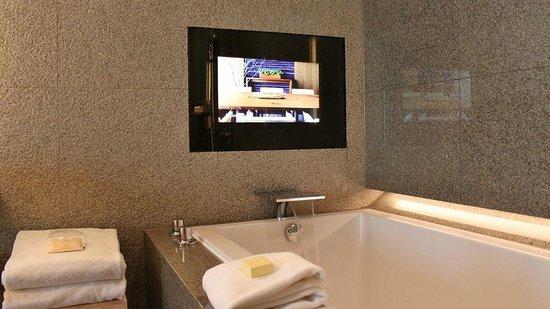 Park Hyatt Busan - Bathroom