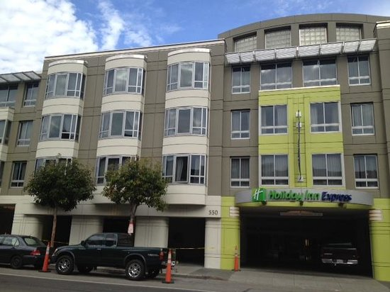 Holiday Inn Express Hotel & Suites San Francisco Fisherman's Wharf: Fresh Paint!