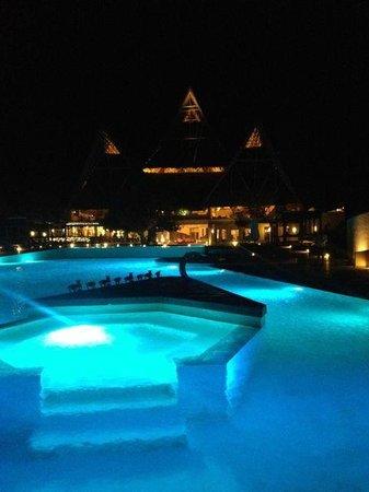 Essque Zalu Zanzibar: Pool at night