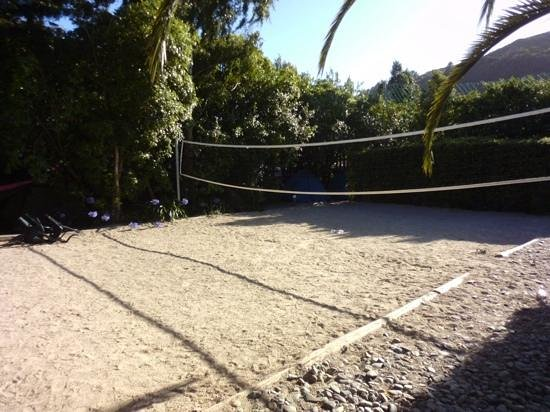 Paradiso Apartments : volleyball court