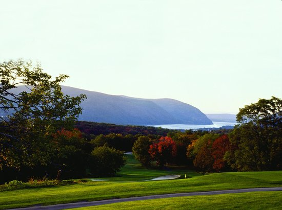 The Garrison - Golf, Restaurant, Events & Inn: HUDSON RIVER VIEW