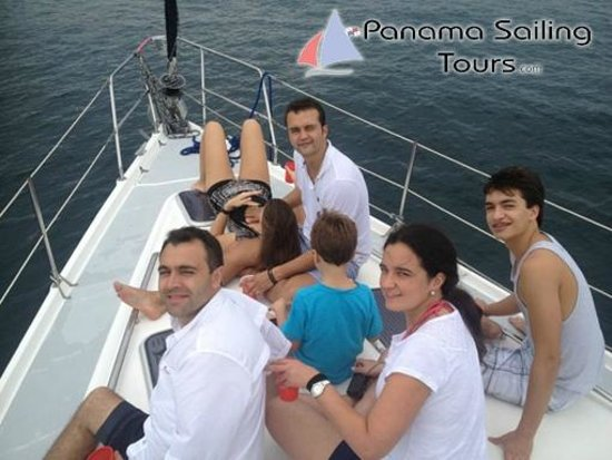 Panama Sailing Private Tours: Clients having a great time!