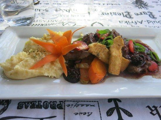 Oppie Dorp Restaurant : Ostrich mit Beeren und Kartoffelpüree