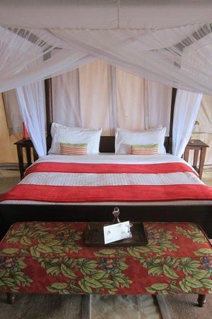 Cottar's 1920s Camp & Bush Villa: Bed