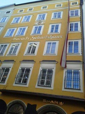 Mozart's Birthplace : Mozart Gebursthaus