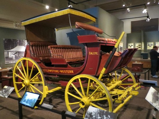 Museum of the Rockies : Stagecoach in the Yellowstone room