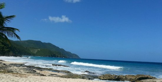Carambola Tide Pools : partial shot of the tide pools with the ocean and mountain scape