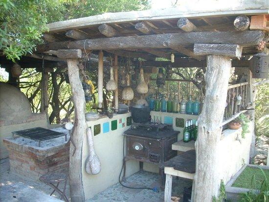 Las Jarillas: parrilla, horno de barro