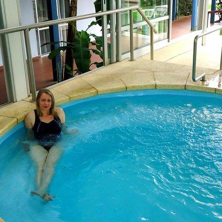 Aguasol Apart Hotel: Outra banheira maior de hidromassagem.