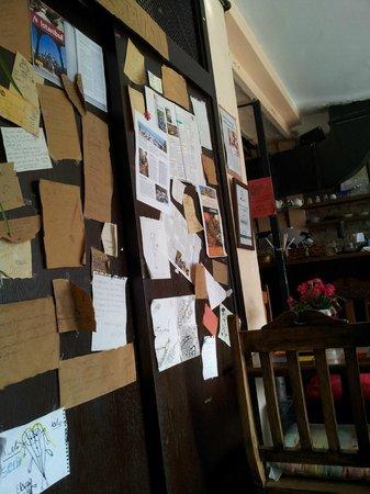 Cafe Privato : Walls in Privato