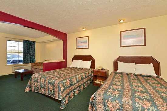 Americas Best Value Inn & Suites - Jackson Coliseum : Room Photo