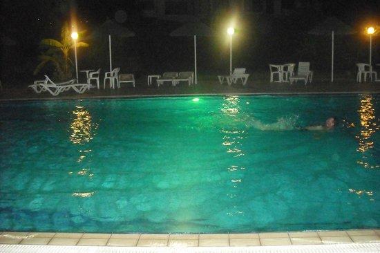 Evita Studios : Swimming pool in the evening