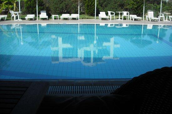 Evita Studios: Swimming pool