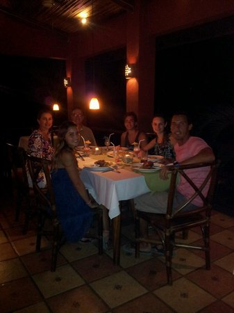 Hotel Restaurant Cantarana: Family with welcoming of the host Javier. Great personalized attention.