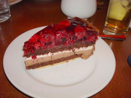 Opern Palais: Raspberry torte.....Yum!