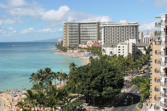 Alohilani Resort Waikiki Beach : view from the balcony 12th floor beach tower