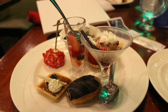 Alohilani Resort Waikiki Beach: oceanarium- dessert