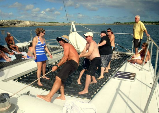 Bluebeard Charters: Pulling up the sail