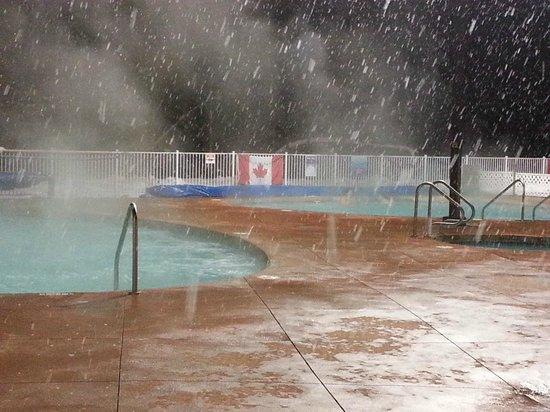 Crazy Creek Resort and Hot Pools : 39 & 40 Deg C Pools