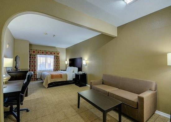 Quality Suites : King Room