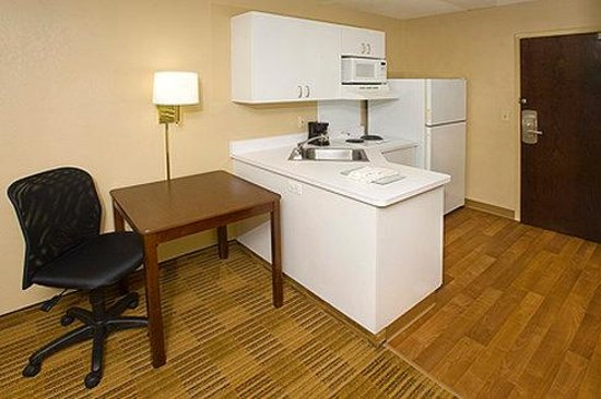 Extended Stay America - Washington, D.C. - Rockville: Fully-Equipped Kitchens
