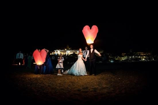 Hotel Guadalmina Spa & Golf Resort: heartshaped lanterns at the beach