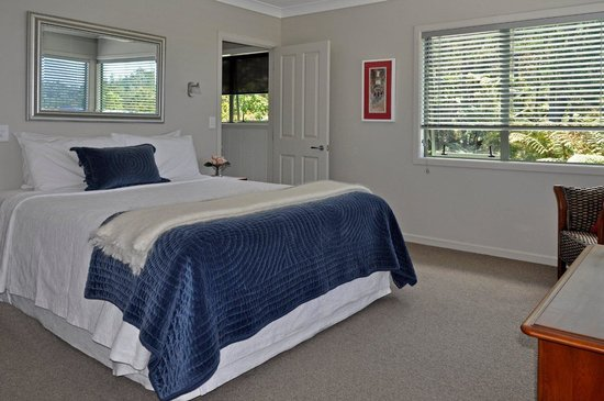 Rewa House B&B: The Tui Room - a beautiful guest room