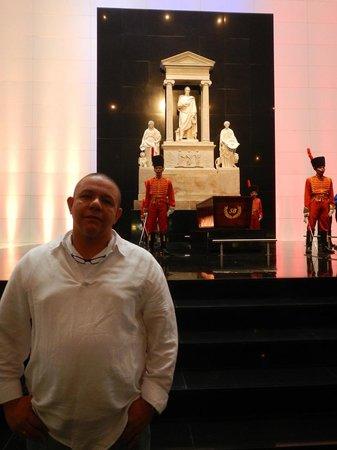Panteón Nacional: Sarcofago de Bolivar