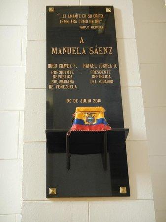 Panteón Nacional: Cofre con parte de los restos de Manuelita Saenz
