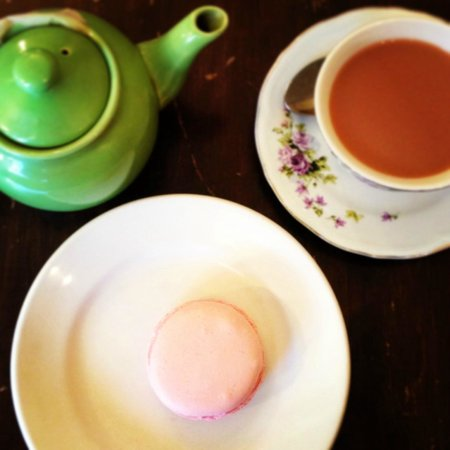 Village TeaRoom : My favorite tea with a maccaron ...