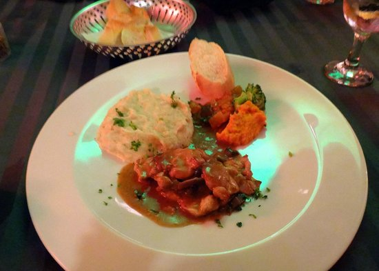Celine Charters: Chicken dinner at the Four Winds