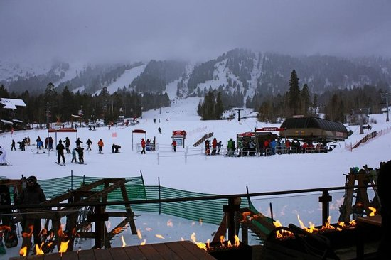 The Handle Bar: Convenient Apres-ski