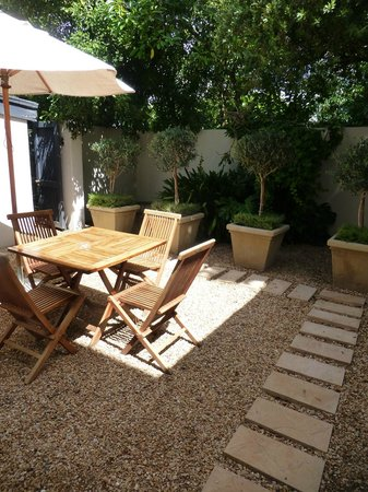 Middedorp Manor: The small private patio