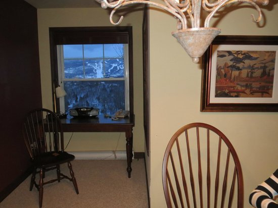 Cap Tremblant Mountain Resort: Love to write my book sitting in that little nook