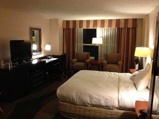 Hilton Madison Monona Terrace: King bed