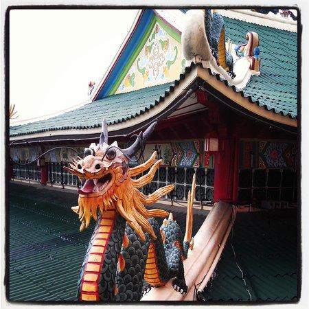 Taoist Temple: Temple Dragons